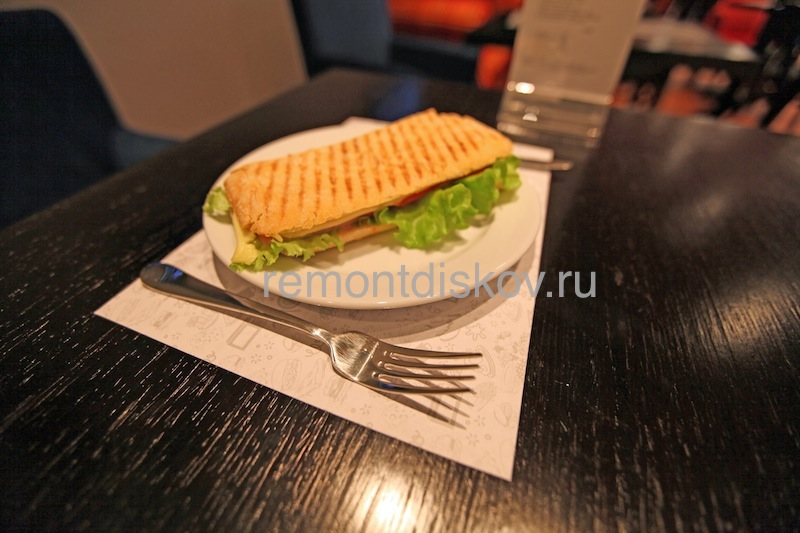 Cafe_Z_6.jpeg.ca363d9146b535a26ed3002f0298403e.jpeg