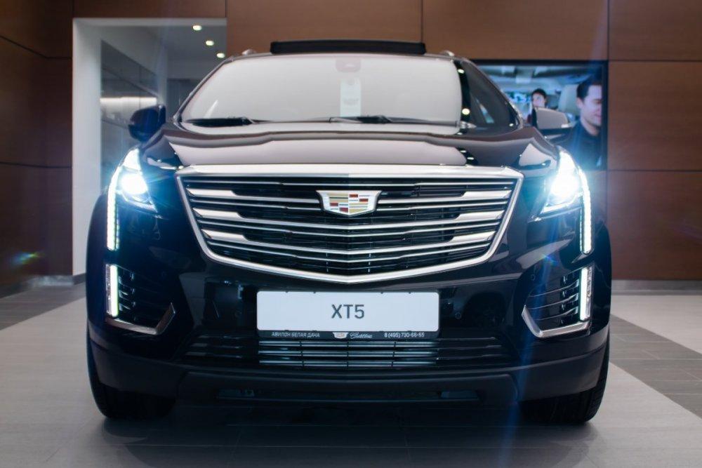 Cadillac_XT5_Premium_черный_ext (1).jpg