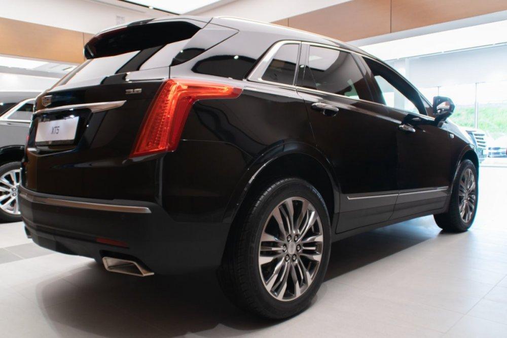 Cadillac_XT5_Premium_черный_ext (6).jpg