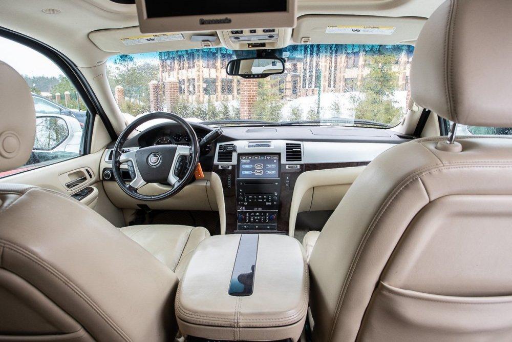 Cadillac Escalade_00008.jpg