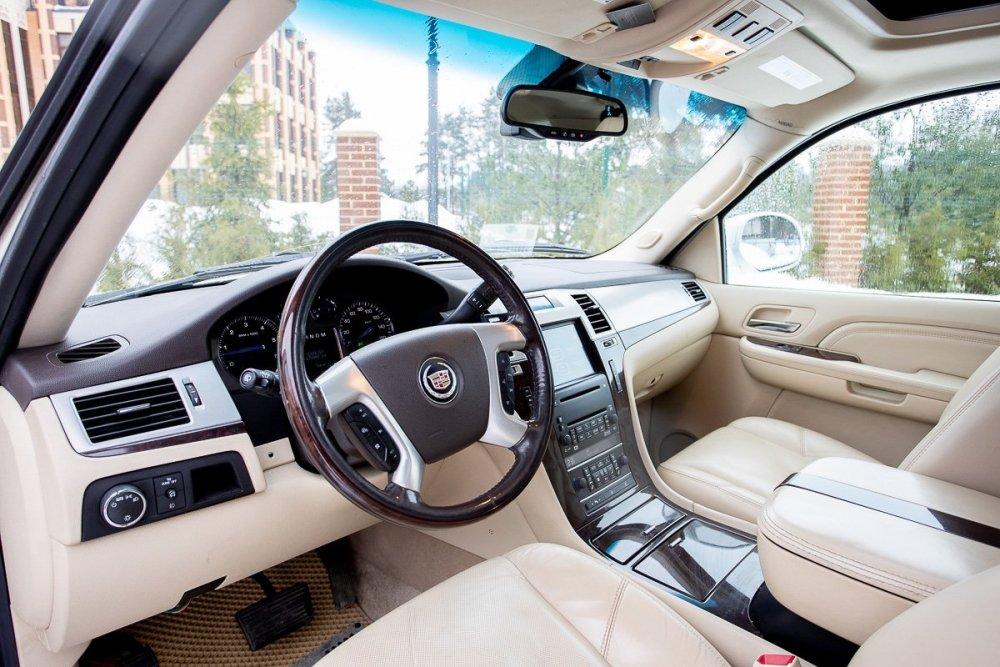 Cadillac Escalade_00001.jpg